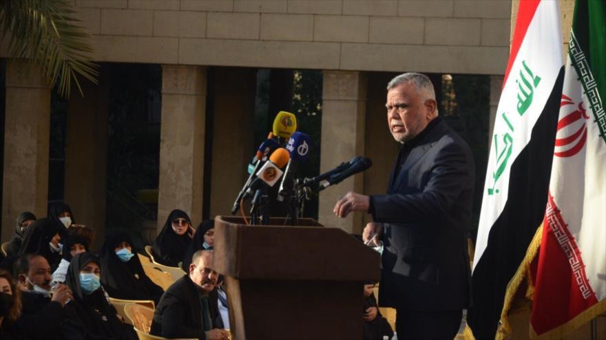 El líder de la coalición Al-Fath, Hadi al-Amiri, da un discurso en embajada de la República Islámica de Irán en Bagdad, capital iraquí, 30 de diciembre de 2020.