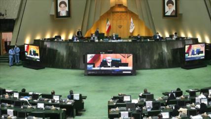 Parlamento iraní elabora 'plan de represalias' contra EEUU