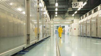 "Irán avisa a AIEA de su plan ""legal"" de enriquecer uranio al 20 %"