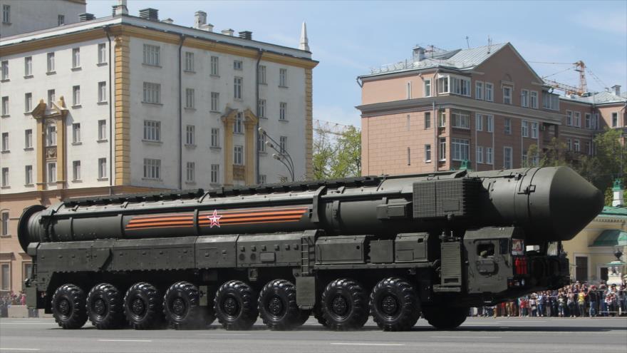 Misil balístico intercontinental ruso RS-24 Yars durante un desfile militar en Moscú, capital de Rusia.