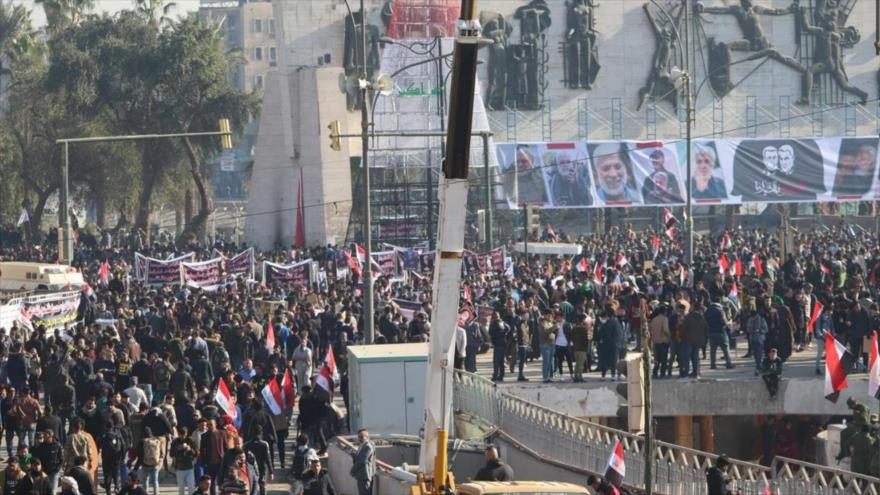 Iraquíes rinden homenaje a Qasem Soleimani y Al-Muhandis