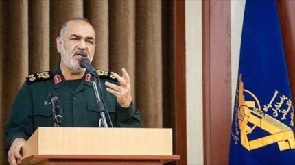 """""""Combatientes de Fuerza Quds pondrán fin a historia de arrogancia"""""""