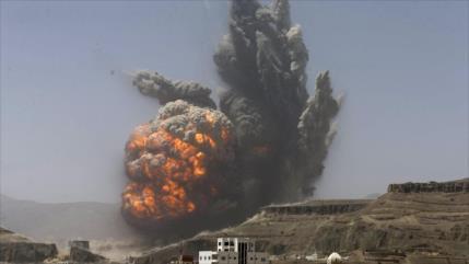 Enorme explosión sacude cuartel general saudí en sur de Yemen