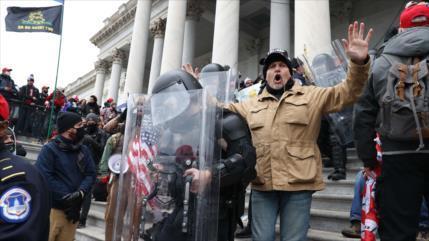 'EEUU experimenta vuelta de bumerán de revoluciones de colores'