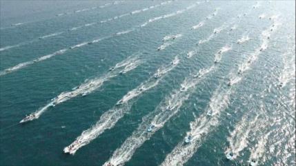 Irán realiza gran desfile naval con presencia de 700 embarcaciones