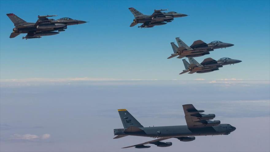 Bombarderos de EEUU realizan ejercicios con Fuerzas Aéreas saudíes