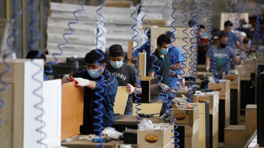 Los trabajadores con bajos ingresos son los más afectados por la pandemia del nuevo coronavirus en EE.UU.