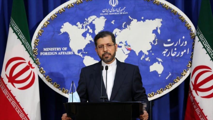 El portavoz de la Cancillería de Irán, Said Jatibzade, en una rueda de prensa en Teherán (capital persa).