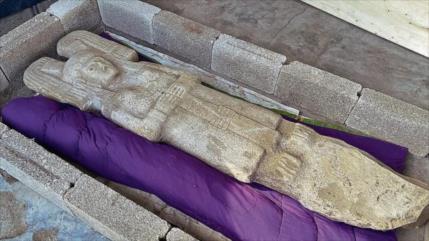 Descubren en México una figura completa femenina prehispánica