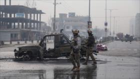 Hombres armados atacan vehículo de Ejército afgano; hay dos muertos