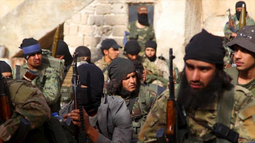 Integrantes del grupo terrorista Frente Al-Nusra (autoproclamado Frente Fath Al-Sham) en Siria.