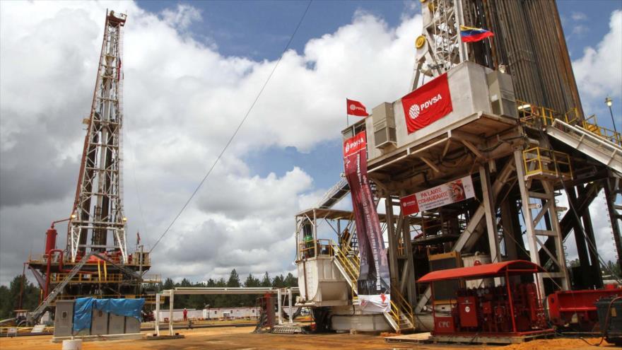 Maduro elevará producción de petróleo a 1,5 millones de barriles