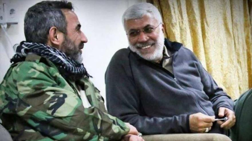 Abu Fadak al-Muhamadawi (izq.) y Abu Mahdi al-Muhandis.
