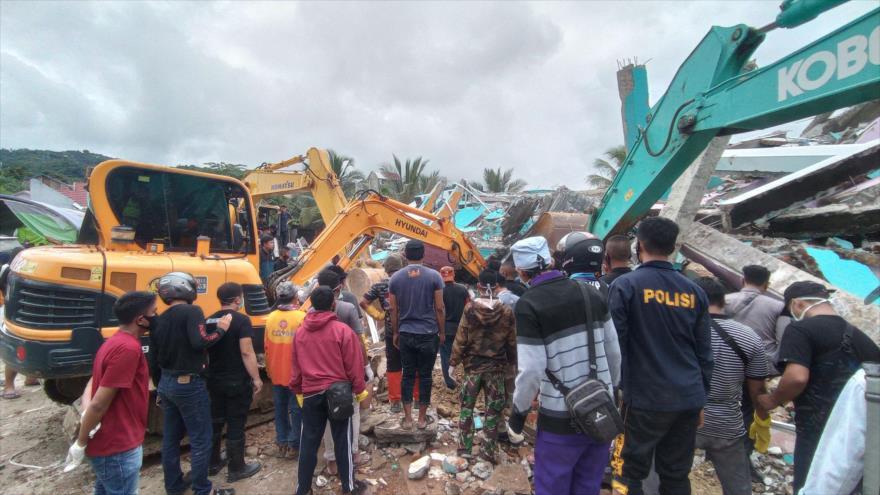 Fuerte sismo sacude Indonesia, con un primer balance de 34 muertos