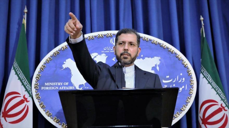 El portavoz del Ministerio de Asuntos Exteriores de Irán, Said Jatibzade, en una rueda de prensa en Teherán (capital).