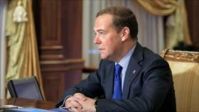 Medvedev llama a Biden a abandonar su retórica agresiva hacia Rusia