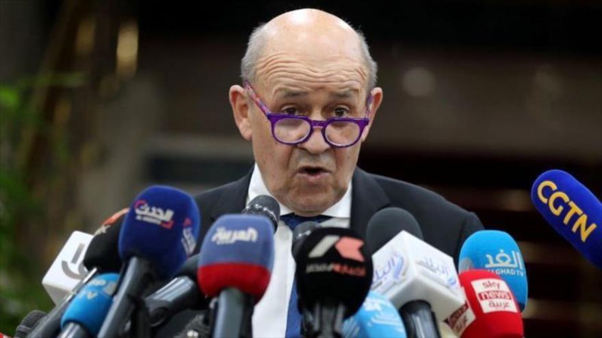 El ministro de Asuntos Exteriores de Francia, Jean-Yves Le Drian, en una conferencia de prensa. 17 de enero de 2021