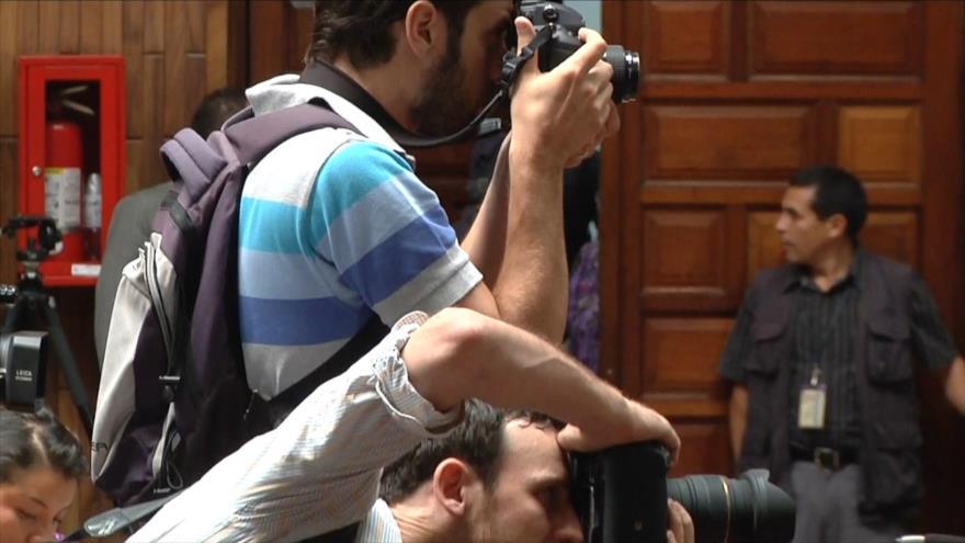Guatemala niega ataques contra periodistas y ahora les persigue