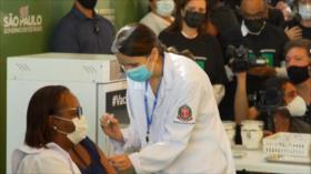 Brasil aplica vacuna contra COVID-19 en medio de guerra política