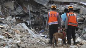 Sigue la búsqueda de atrapados tras terremoto en Indonesia