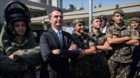 "Bolsonaro : Brasil perderá la libertad si no ""valora"" a militares"