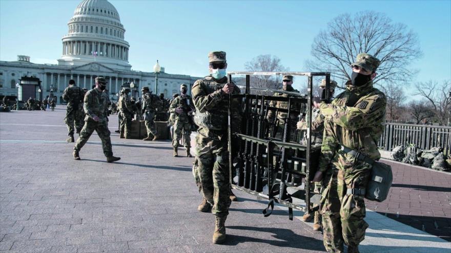 Los soldados están preparados para la investidura de Biden, el 17 de enero de 2021, Washington.