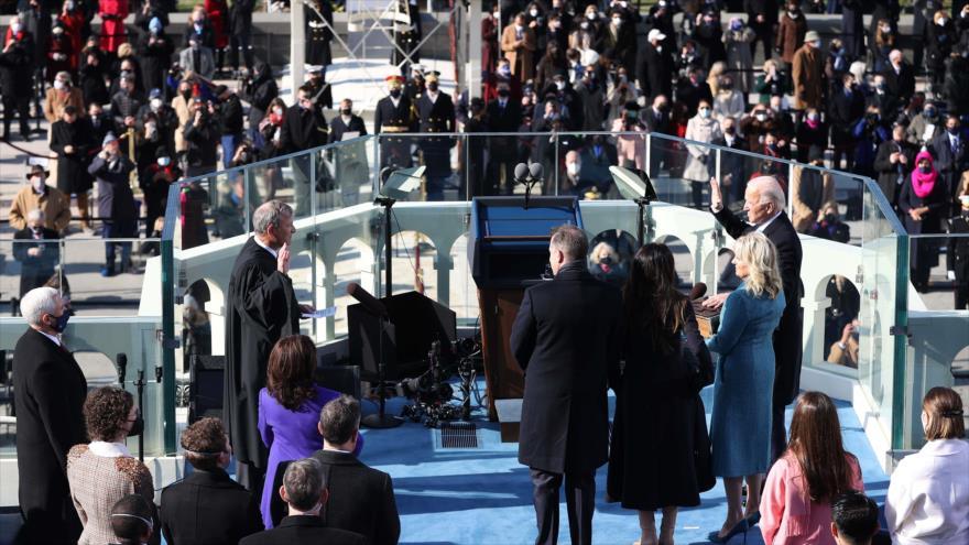 Joe Biden jura como el 46º presidente de Estados Unidos frente al Capitolio, Washington D.C. (la capital estadounidense), 20 de enero de 2021. (Foto: AFP)