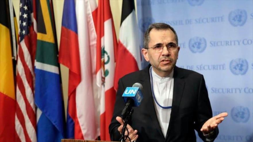 El representante permanente de Irán ante la ONU, Mayid Tajt Ravanchi, habla en una rueda de prensa en Nueva York, EE.UU., 24 de junio de 2019. (Foto: AFP)