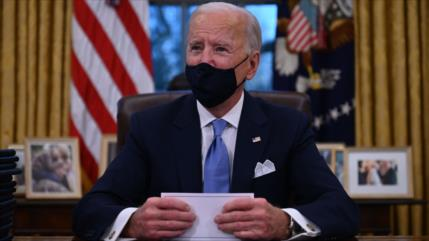 Una republicana presenta cargos de juicio político contra Biden