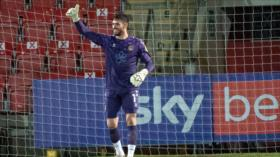 Vídeo: Arquero galés bate récord de gol desde mayor distancia