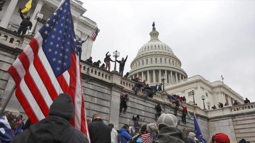 Informe: Trump pagó a los organizadores del asalto al Capitolio | HISPANTV