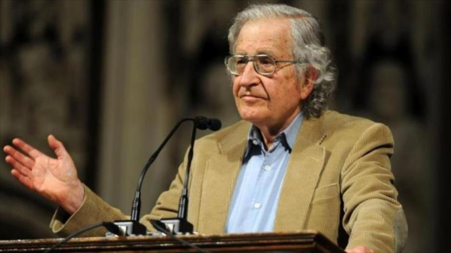 El reconocido politólogo y lingüista estadounidense Noam Chomsky.