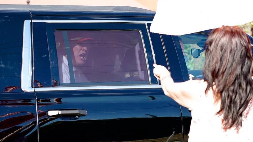 Trump aparece por primera vez en público como expresidente de EEUU