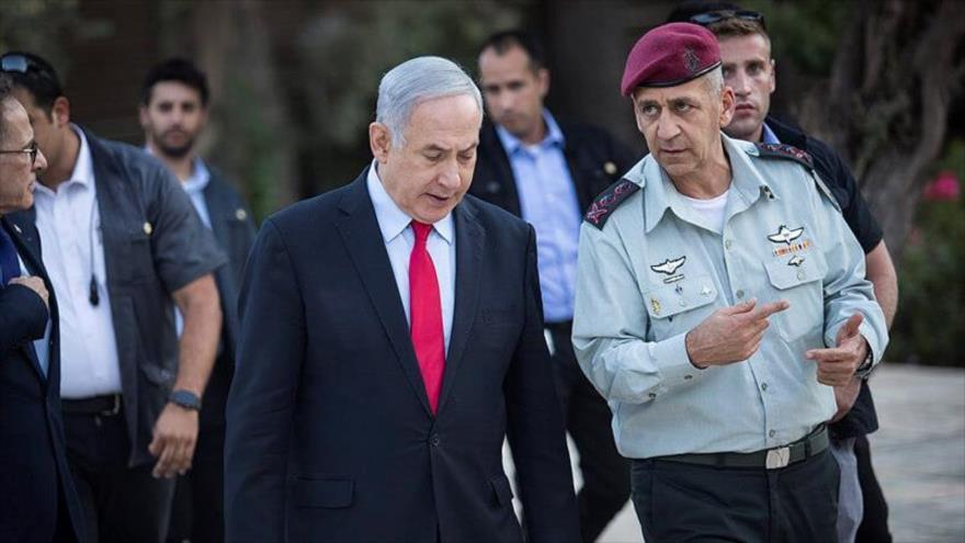 El premier Israelí, Benjamín Netanyahu (izd.), y el jefe del estado mayor israelí, el general de división Aviv Kochavi, Jerusalén (Al-Quds), 1 de julio de 2019.