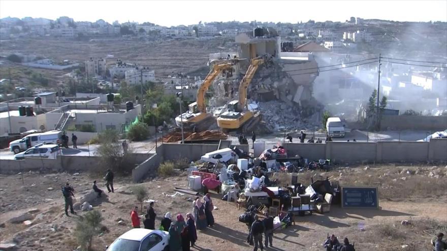 Israel demuele una mezquita y un pozo de agua de los palestinos