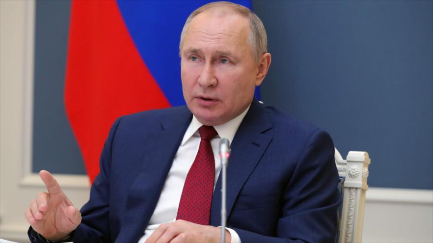 El presidente de Rusia, Vladímir Putin, interviene en la reunión virtual del Foro Económico Mundial de Davos (Suiza), desde el Kremlin, 27 de enero de 2021. (Foto: AFP)