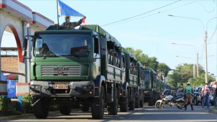 Tanques les esperan en frontera Ecuador-Perú a los inmigrantes