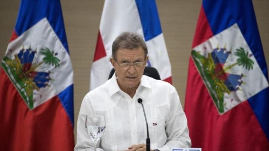 El canciller de la República Dominicana, Roberto Álvarez, en una alocución en el periódico local Listín Diario, 27 de enero de 2021. (Foto: AFP)
