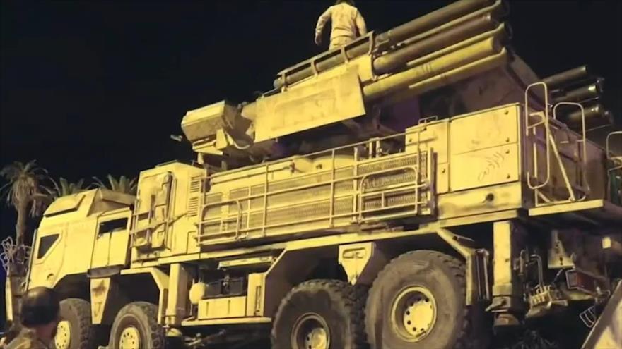 Un sistema de defensa aérea Pantsir-S1 que fue capturado de las fuerzas alineadas con Jalifa Haftar en la base aérea Al-Watiya en mayo de 2020.