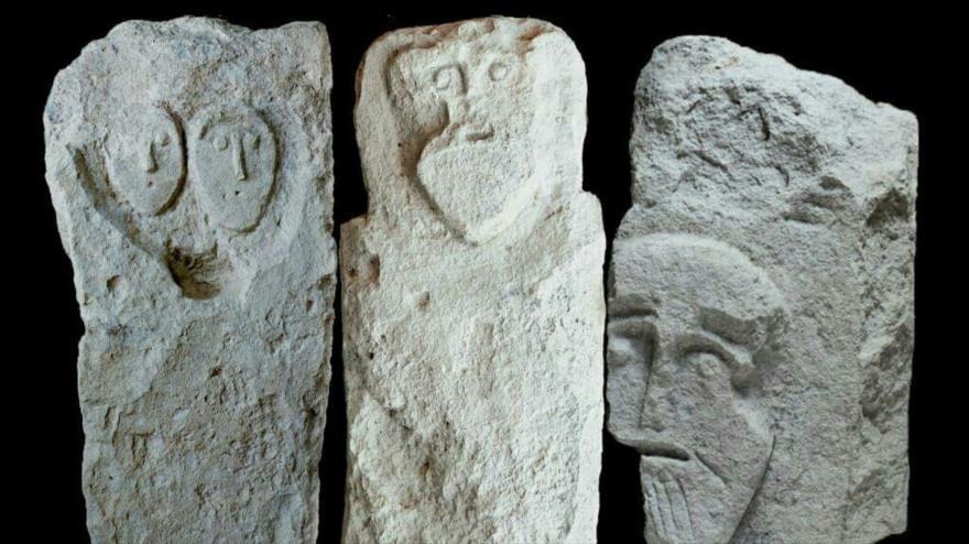Lápidas de la época romana descubiertas en Crimea.