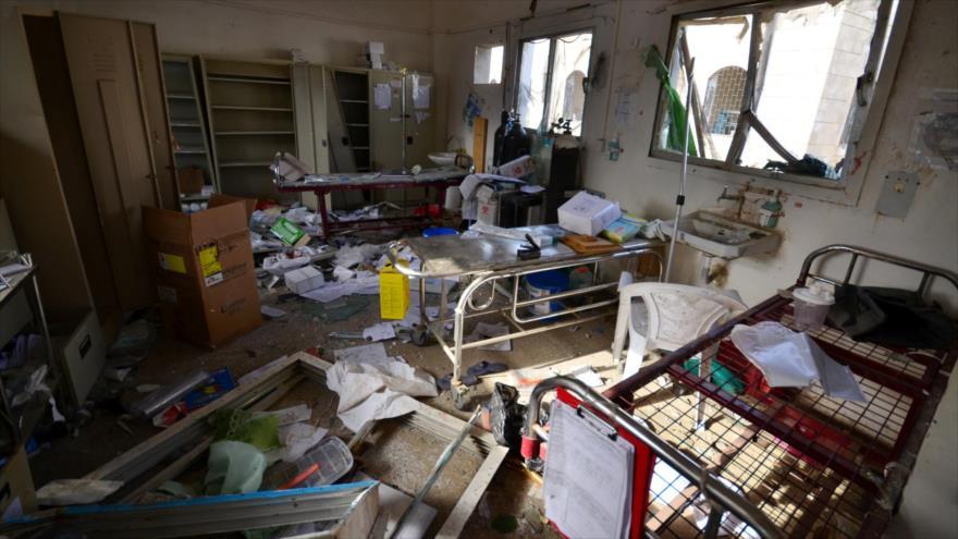 Daños causados en un hospital en la provincia yemení de Hajjah tras un ataque aéreo saudí. (Foto: Reuters)