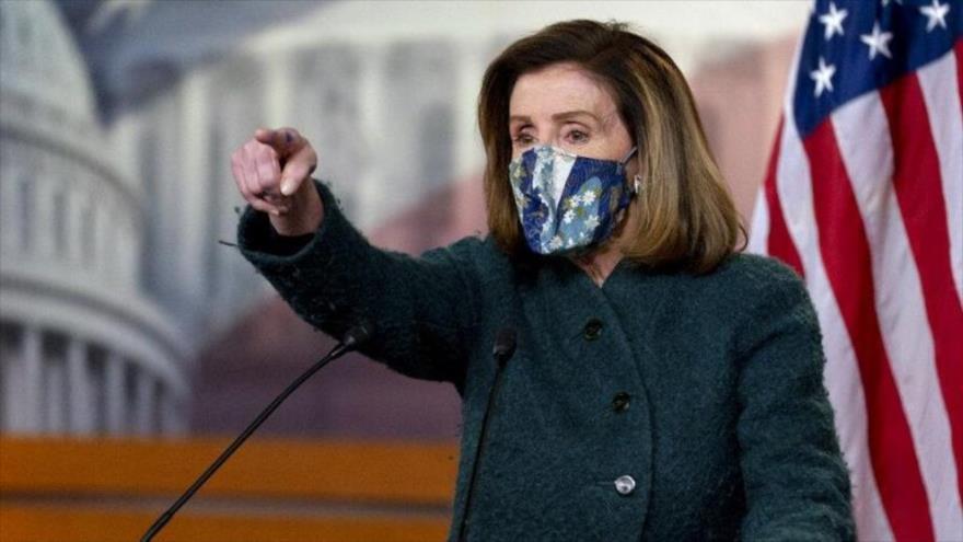 La presidenta de la Cámara de Representantes de EE.UU., Nancy Pelosi, en rueda de prensa en el Capitolio de EE. UU., 28 de enero de 2021.