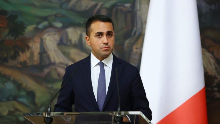 Luigi Di Maio, ministro de Relaciones Exteriores de Italia, en una rueda de prensa, 14 de octubre de 2020, (Foto:AFP)