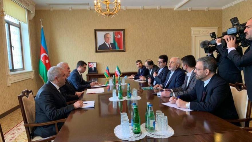 La delegación iraní (dcha.) en una reunión con autoridades de Najcheván, 30 de enero de 2021. (Foto: azernews)