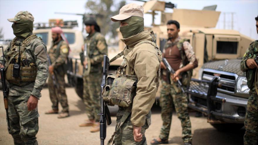 Las llamadas Fuerzas Democráticas Sirias (FDS) en Deir Ezzor, este de Siria, 1 de mayo de 2018. (Foto: Reuters)