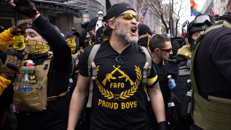 Un miembro del grupo de extrema derecha estadounidense 'Proud Boys' participa en una marcha a favor de Trump en Washington D.C, 12 de diciembre. (Foto: W.Post)