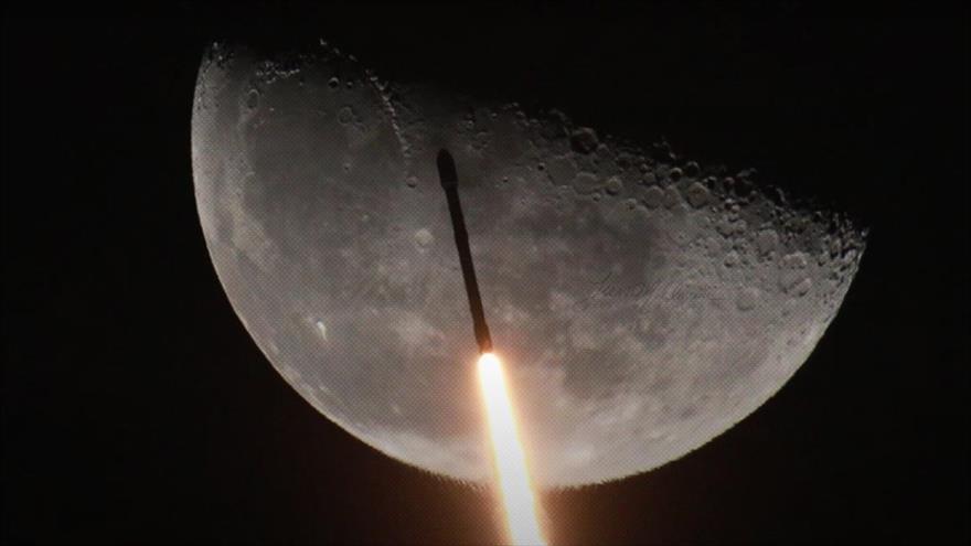 Vídeo: Momento exacto del paso del cohete SpaceX frente a la Luna