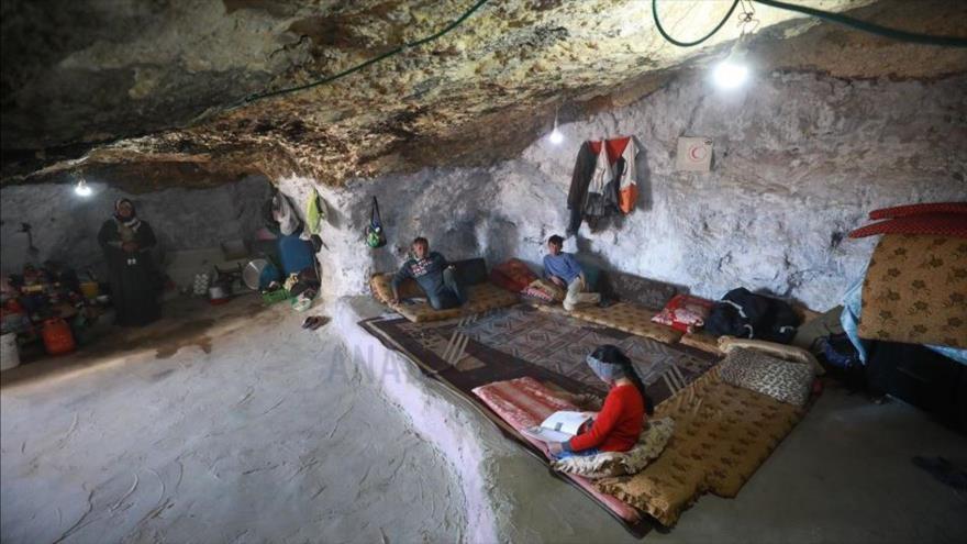 Vídeo: Familias palestinas obligadas por Israel a vivir en cuevas