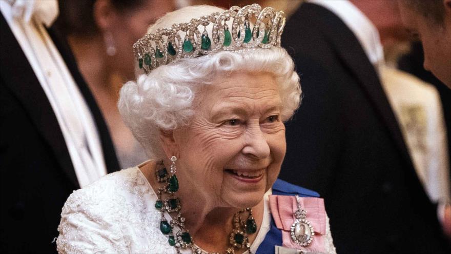 La reina Isabel II del Reino Unido asiste a una recepción de diplomáticos en 2019, Londres, la capital británica.