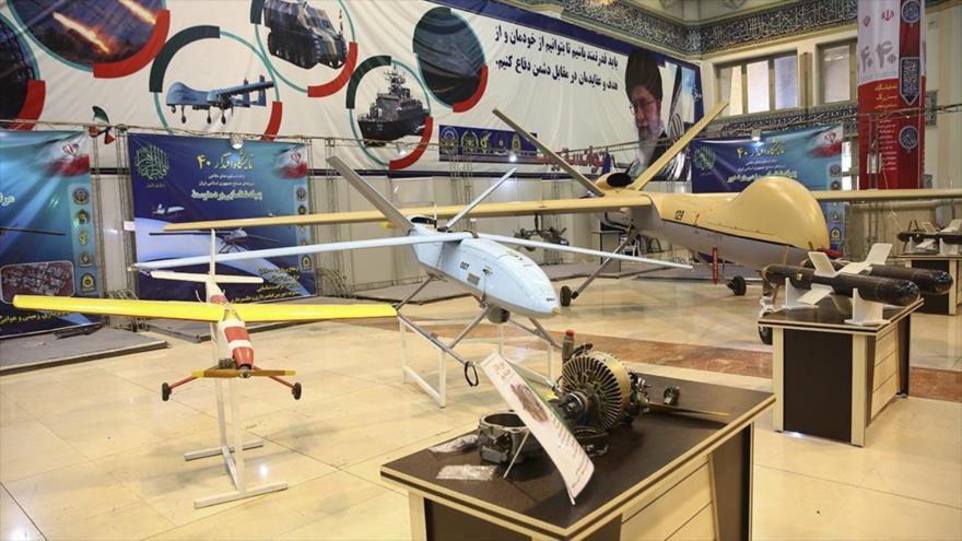 Drones iraníes en una exhibición militar.